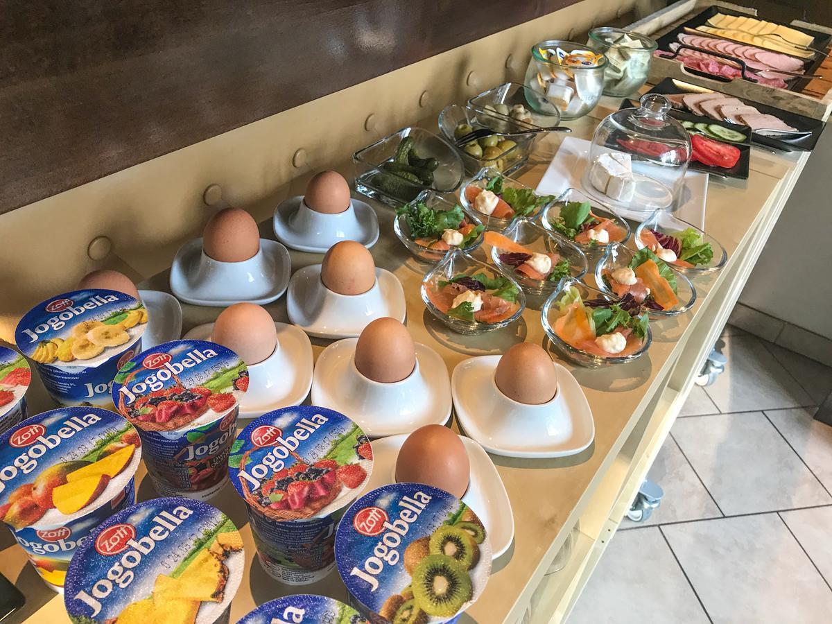 Frühstück Pension Ameisenberg Oybin